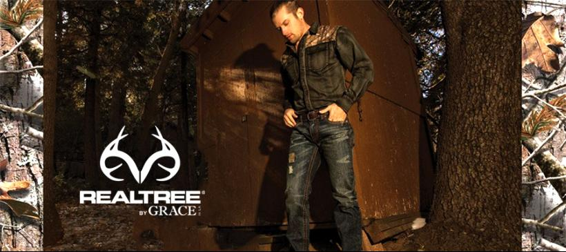 256947850b58b Driven by the momentum of its wildly popular Realtree jeans, Grace in La is  excited to be offering a new line of Realtree men's button-down denim shirts  ...